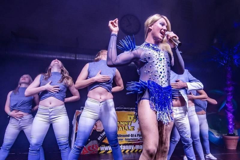 Helene-Double-Dance-Show