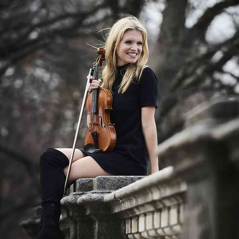 Laura Zimmerman – Violine, E-Geige